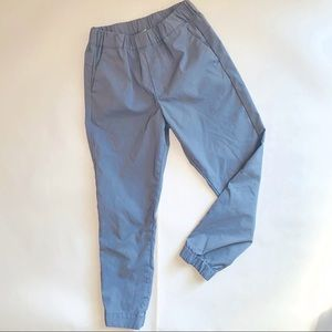 🍀UNIQLO kids grey joggers size M nwot